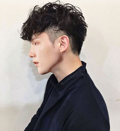 Haircut For Guys With Wavy Hair